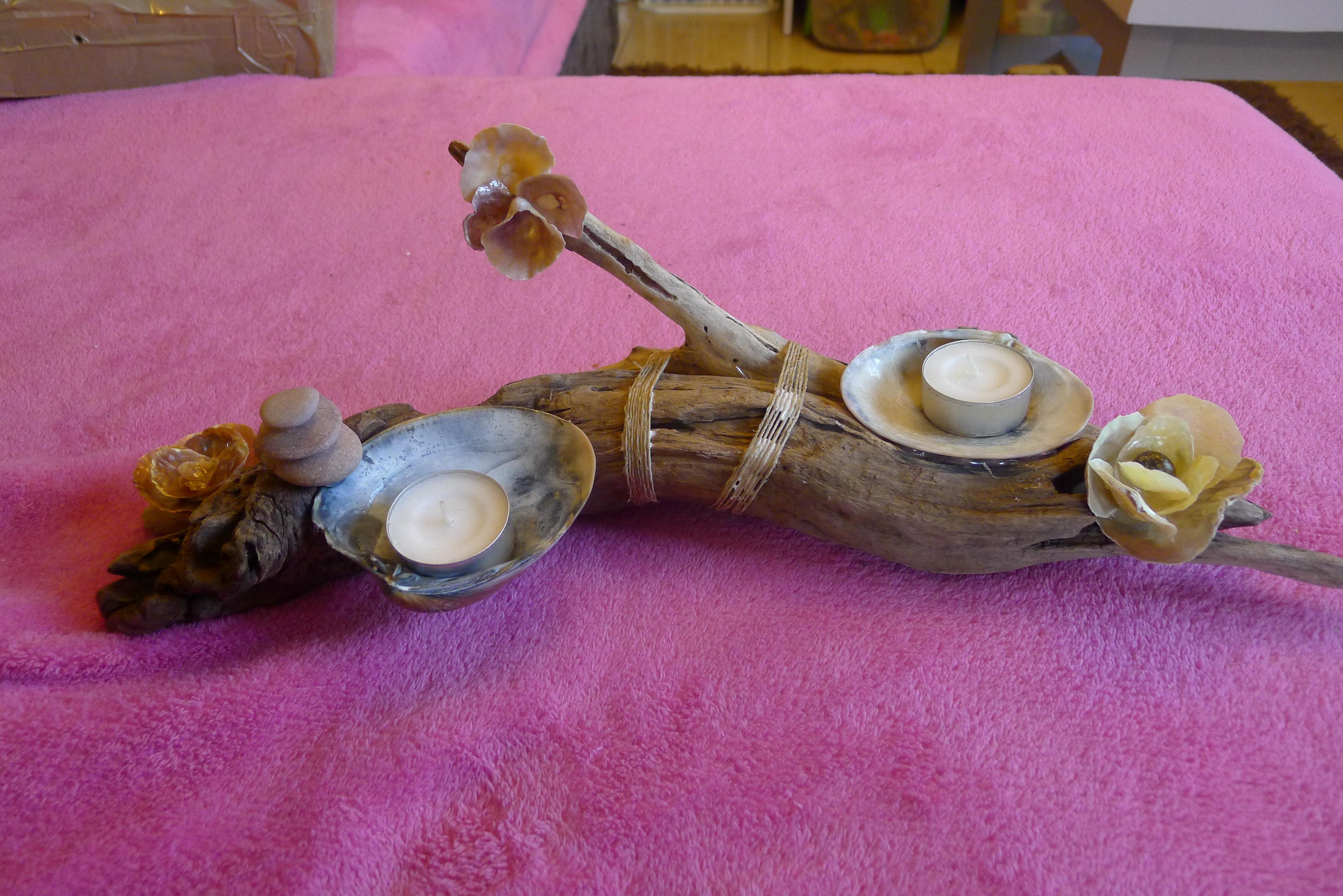 Bougeoir en bois flott et coquillages a vos listes for Bougeoire en bois flotte