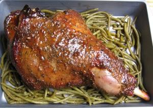 Gigot d'agneau mariné aux épices et glacé au miel - haricots 1