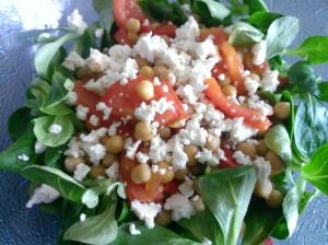 Salade de tomates et pois chiches à la feta
